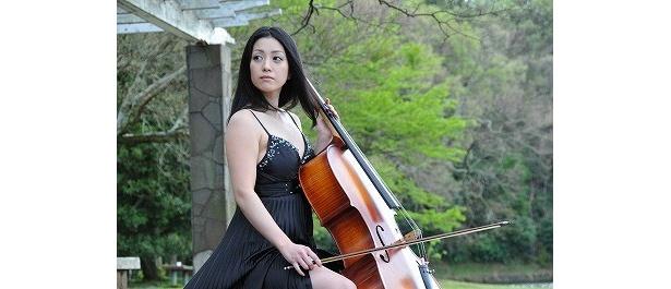 【写真】静子は才気あふれるチェリスト。清楚なファッションの小向美奈子もそそる!