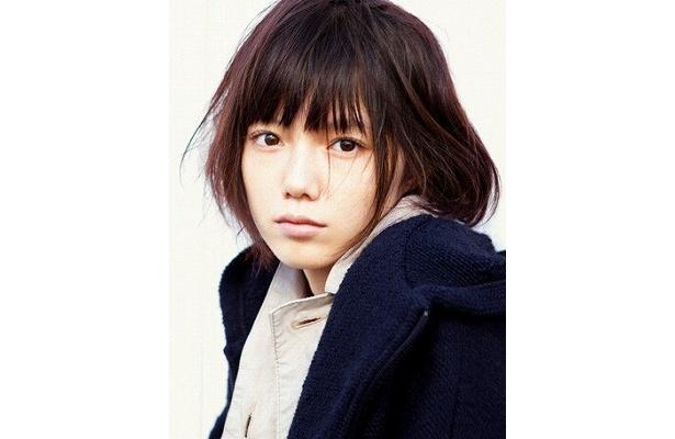 宮崎あおいが主人公真のクラスメート佐野唱子役の声を当てる