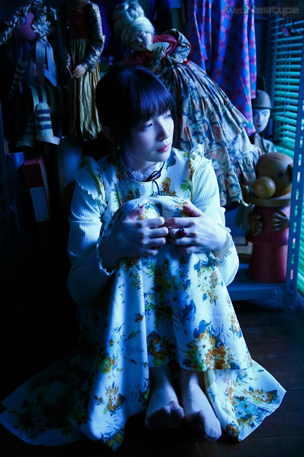 上田麗奈フォトコラム・想いの宿る人形たちが集う劇場