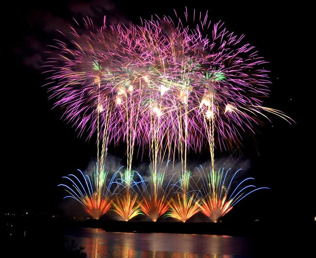 大迫力の花火を自宅で! 日本屈指の花火大会を生中継&4K収録