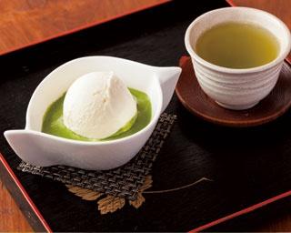 「濃茶仕立ての抹茶アフォガード」(540円)/神戸チャイハーネ