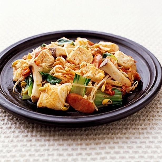 「豆腐とソーセージのキムチ炒め」