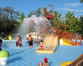 暑い夏を満喫しよう!大充実の関東アミューズメント施設プール5選