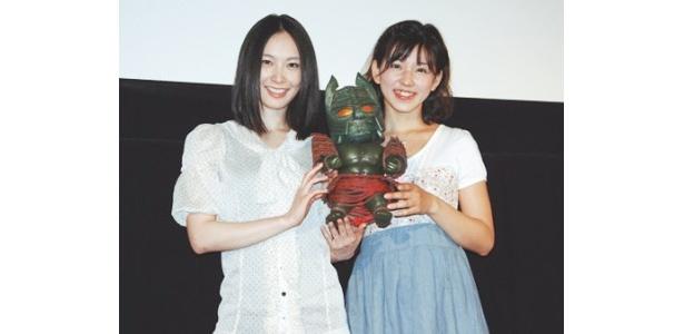 イベントに登場した里久鳴祐果と長澤奈央(写真右から)