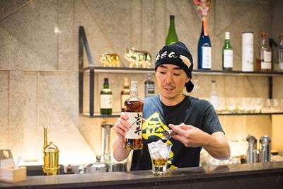 ゼネラルマネージャーの浦田信明さん。「バーだけの利用ももちろん大歓迎です」