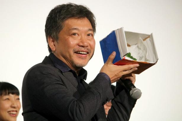 是枝裕和監督が『万引き家族』は「納豆ご飯のような映画です」とコメント
