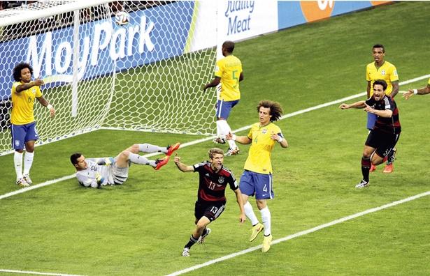 ドイツに惨敗し、ブラジルにとっては悪夢のまま止まっているW杯。リベンジを果たすことはできるか?