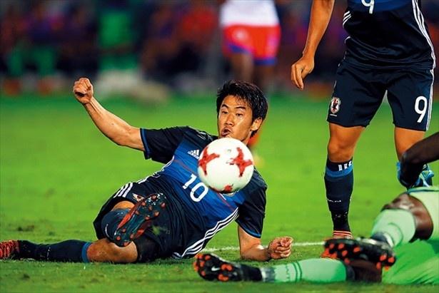 香川真司は、意外にも守備が非常にうまい。それもうまく組み込みながら代表チームを作っていく必要がある