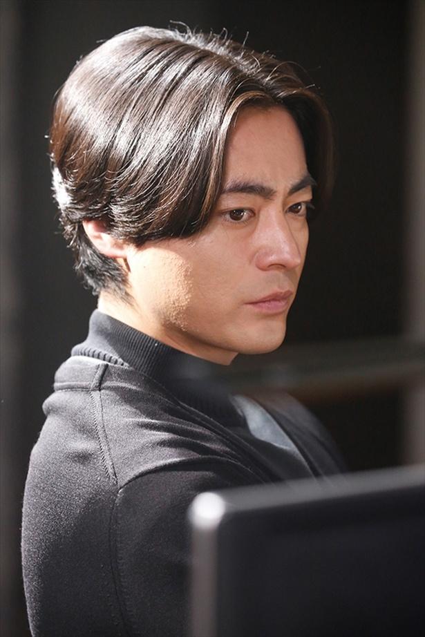 """山田孝之は""""高慢""""キャラに挑む。車いすでの演技にも挑戦"""