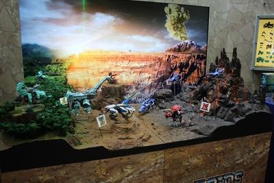 6月発売の「ゾイドワイルド」各種が稼働展示されている