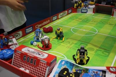 RCサッカーロボット「サッカーボーグ」の実演コーナー