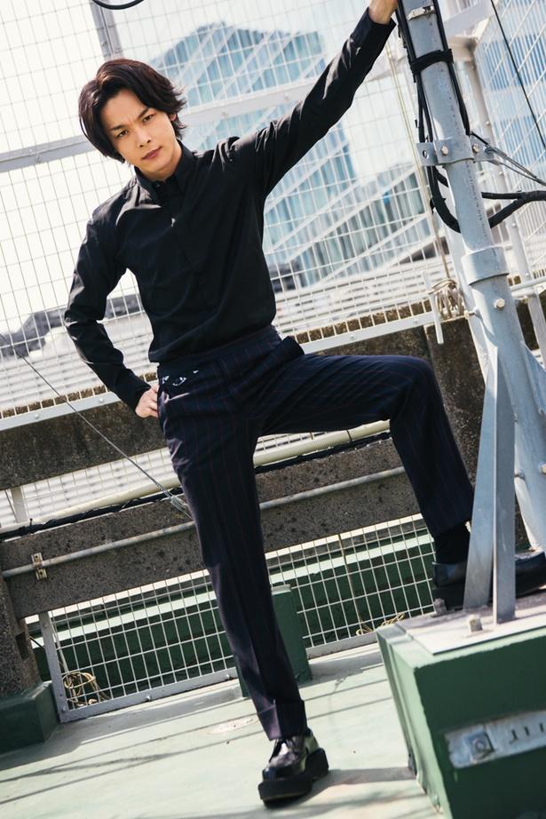 蜷川幸雄の舞台で「相当鍛えられましたね(笑)」という中村倫也