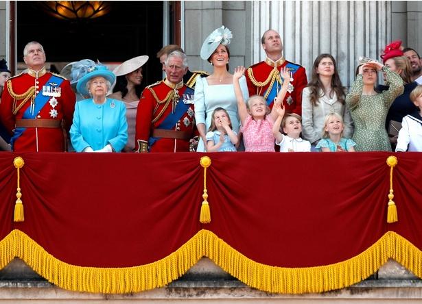 現在92歳の女王の健康を願うばかり