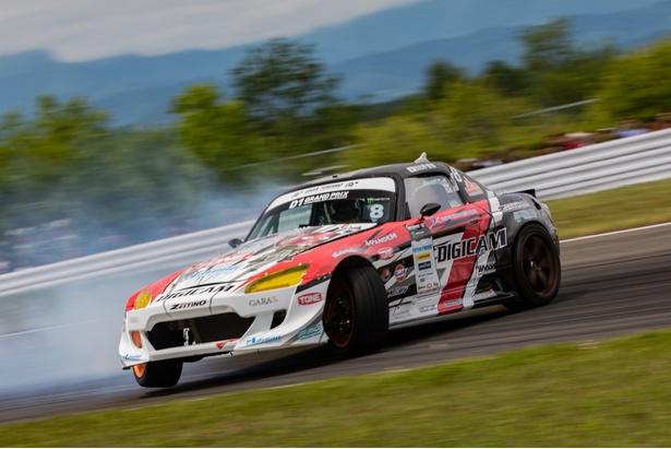 日比野哲也選手(K'SPEC SunRISE Racing)