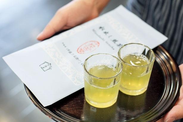 いれたての茶も試すこともできる/伊藤久右衛門本店・茶房