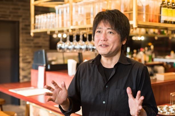 稲田俊輔さん。2005年に川崎にあったカレー店「エリックカレー」の運営を引き継ぎ、2010年に「エリックサウス」を創業。南インド料理ブームを作り出した