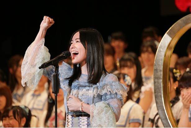 【写真を見る】SKE48の最新シングルでセンターを務める松井珠理奈が、「AKB48 53rdシングル 世界選抜総選挙」でもセンターを目指す