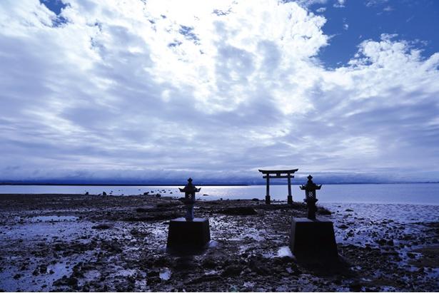 永尾剱神社 / 中に建つ鳥居は写真映え抜群