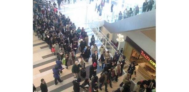 9時30分のオープンの中央入口は大混雑