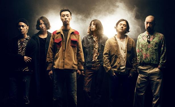 左からKCEE(Dj)、TAIHEI(Key)、YONCE(Vo)、OK(Dr)、TAIKING(Gt)、HSU(Ba)