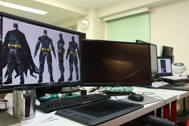 オフィス内では多くのスタッフさんたちが各々の作業に取り組んでいる
