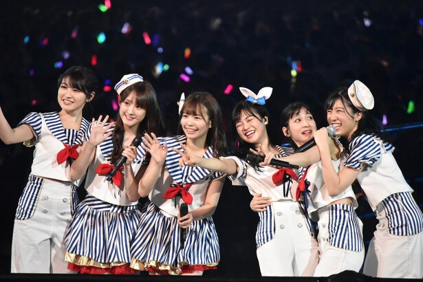 HKT48のメンバー(AKB48グループコンサートより)