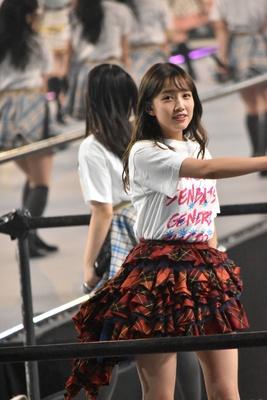 AKB48の加藤玲奈さん (AKB48グループコンサートより)