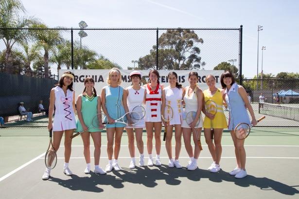 女性らしいカラフルなテニス・ウェアが登場したのもこの時代
