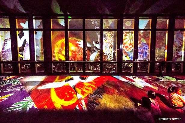 今年は床と壁にまたがったプロジェクションマッピングが一体感溢れる演出
