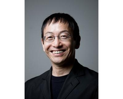 野田秀樹氏は、表現のジャンル・国境を越えて精力的に創作活動を行い、各地で高い評価を得ている