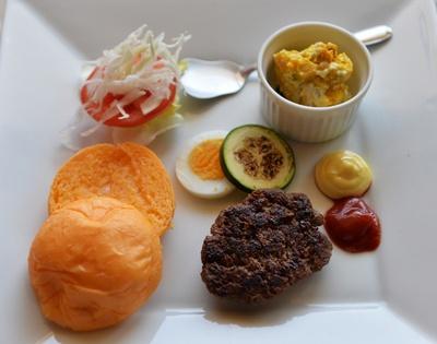 自分で組み立てて、ハンバーガーを完成させるキッズバーガーキット(800円)も18年8月にお目見え/SABOR