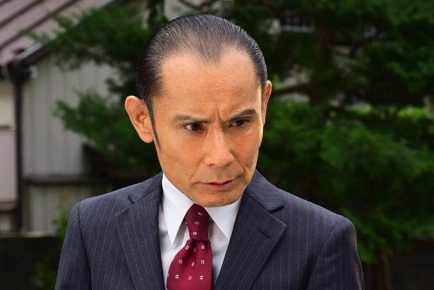 森村誠一ミステリースペシャル「ガラスの密室」で新宿西署の刑事・牛尾を演じる片岡鶴太郎