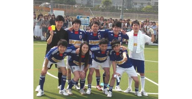 始動記念試合に参加したよしもとサッカー部の代表メンバー