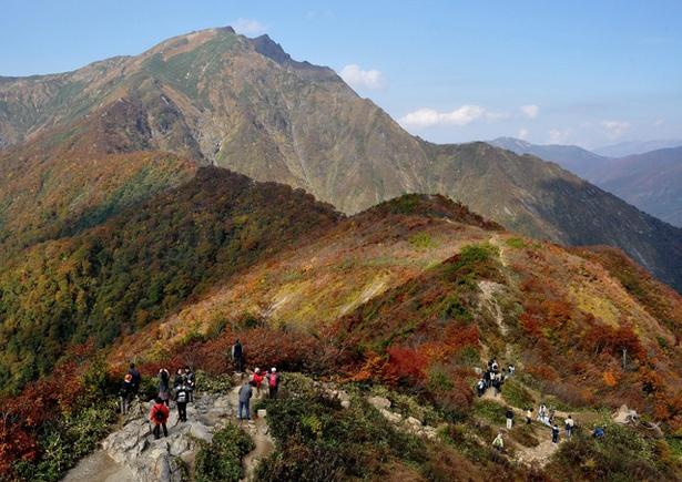 紅葉も美しい谷川岳