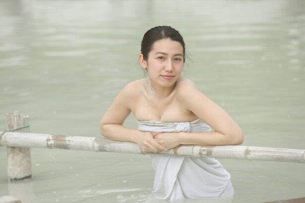 """""""九州の太陽""""こと佐藤あいりが巡る混浴温泉"""
