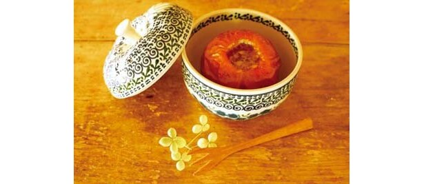 焼リンゴもできる!素朴なポーランド陶器展が開催