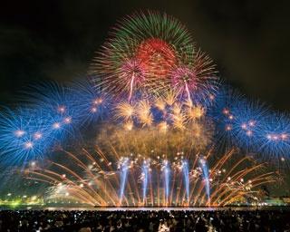 30回記念でさらにド派手に!関西最大級の第30回記念大会なにわ淀川花火大会を徹底攻略