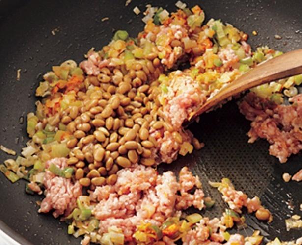 うまみ成分が多く、コクと香りづけに、麻婆豆腐や回鍋肉(ホイコーロー)などに使われる、豆豉の代わりにしても。適度な粘りを生かしたいので、軽く洗って調理するとよい。