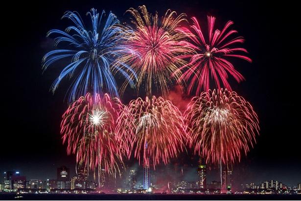 大好評の花火ショー「シーサイドももち  花火ファンタジア FUKUOKA2018」が パワーアップして開催!