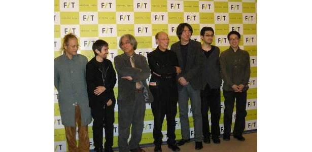 左から、飴屋法水、宮城 聰、イ・ユンテク、蜷川幸雄、松田正隆、高田 明、松井 周。井手茂太は途中退席