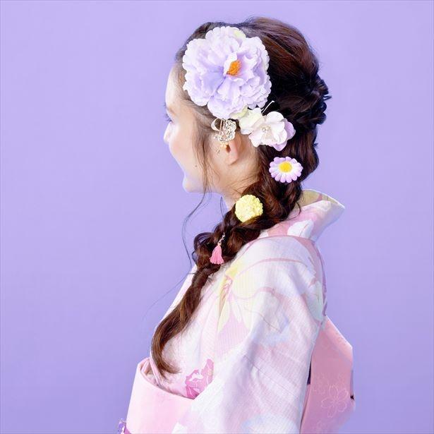 """【写真を見る】女子必見の""""ラプンツェル風""""髪飾り"""