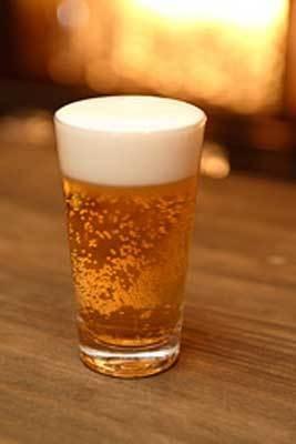ビールなど全ドリンクが1杯200円!