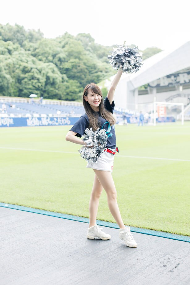 福岡のチアチームRFCの人気チアリーダー・KANA。RFCでは現在チアリーダーを募集中!