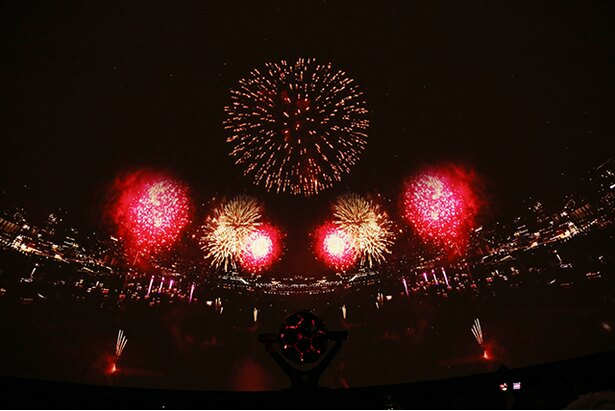 「STAR ISLAND 2018」では総数1万2000発もの花火が打ち上げられた