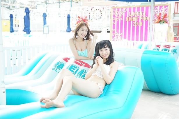 【写真を見る】おとめボタンの上田美沙季(写真左)と山川紗希(同右)がラグーナで水遊びを満喫!