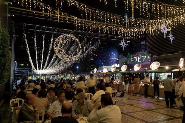 屋上スペースは広く、400席と大バコながら席間はゆったりしている/大阪高島屋 屋上ビアガーデン キラビア ベジプラススタイル