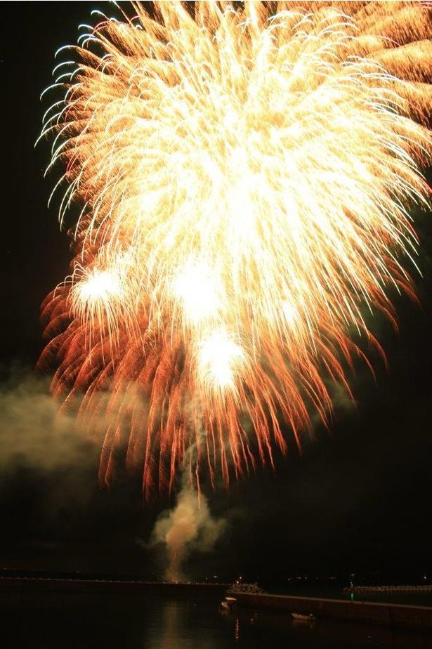 錦江町大根占夏祭り / 2500発が錦江町の夜空に咲く