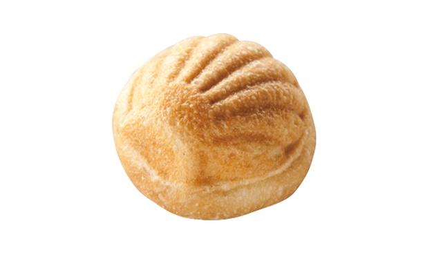 「Boulangerie pain stock」の「キビック」(150円)。優しい甘さのカスタードと口溶けのいい生地が調和する、ロングセラー商品