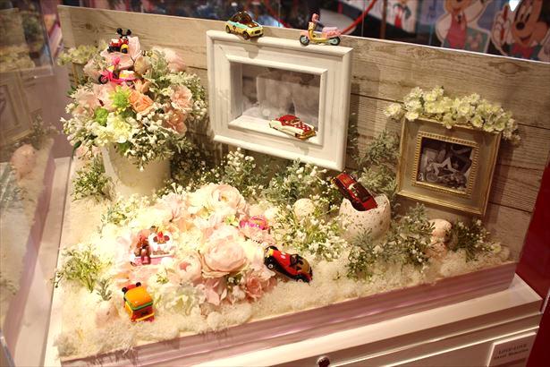【写真を見る】日比谷花壇によるフラワージオラマ