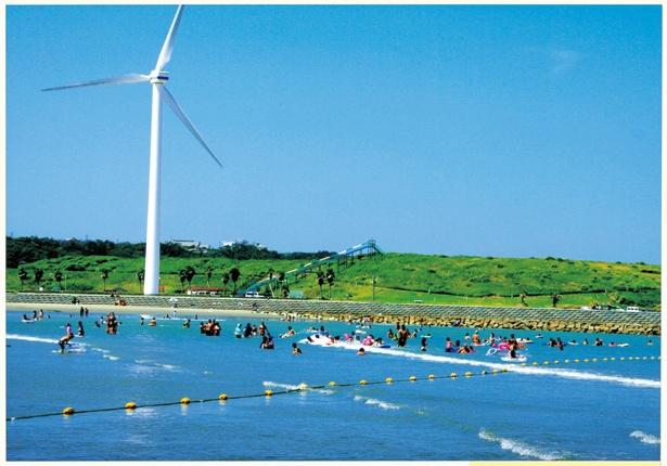 """""""日本の水浴場55選""""に選ばれた美しいビーチ。海水浴は 8月31日(金)まで"""